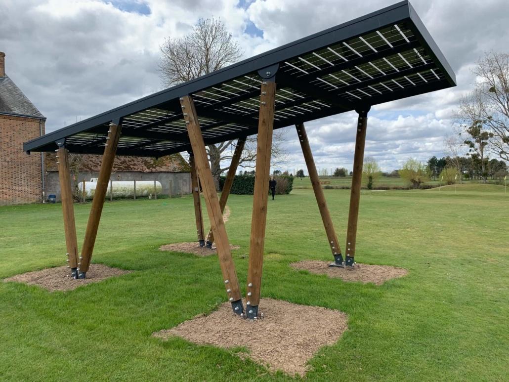 Carport photovoltaïque réalisé par Groupe Roy Énergie 2
