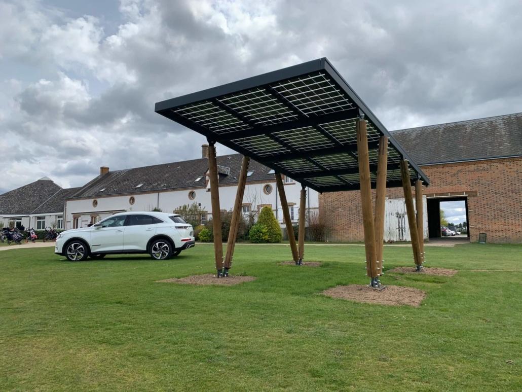 Carport photovoltaïque réalisé par Groupe Roy Énergie 3