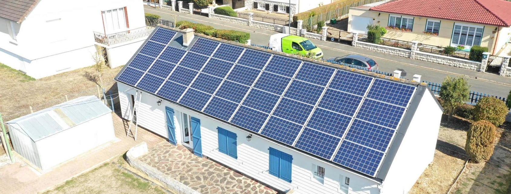Hangar monopente photovoltaïque