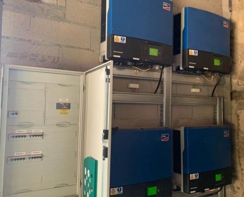 Installation technique de panneaux photovoltaïques lors d'un dépannage