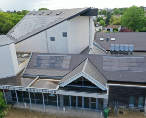 Salle des fêtes de Saint Jean le Blanc 45650 équipée de panneaux photovoltaïques par le Groupe Roy Énergie 4