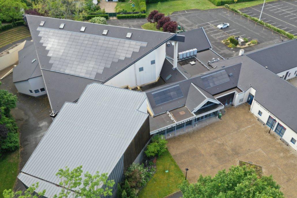 Salle des fêtes de Saint Jean le Blanc 45650 équipée de panneaux photovoltaïques par le Groupe Roy Énergie 6