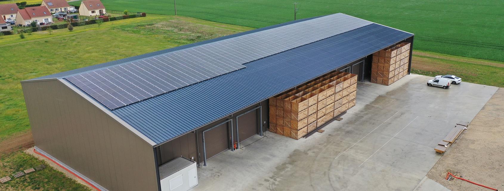 vue aérienne hangar photovoltaïque en Eure et Loir 28276