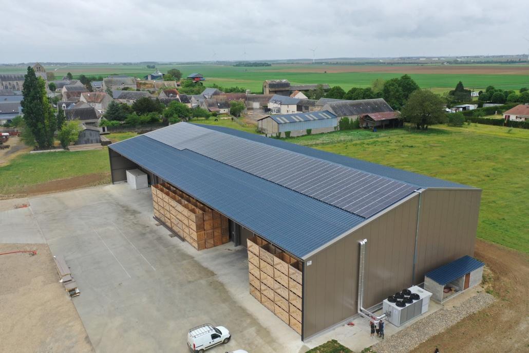 Hangar agricole équipé de panneaux photovoltaïques de 100kWc