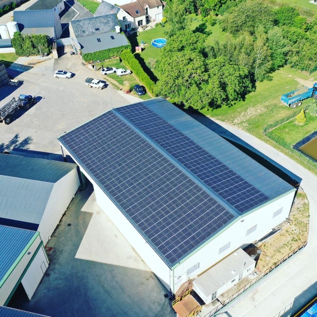 Centrale photovoltaïque sur un bâtiment agricole