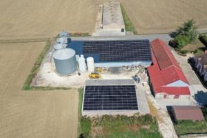 Exploitation agricole équipée de panneaux photovoltaïques