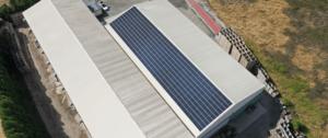 bâtiment frigorifique agricole équipé de panneaux photovoltaïques