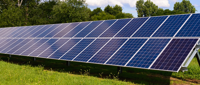 centrale photovoltaïque installée au sol par groupe roy énergie